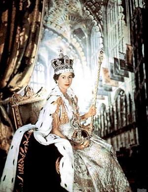 エリザベス女王から王位を継承す...