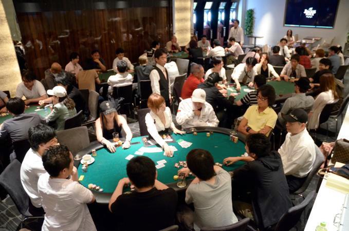 勝負する相手は、同じテーブルのプレイヤー達全員