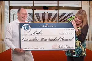 脅威の1600回のフリースピンでジャックポット級の賞金1億6千万円を獲得する快挙! | ワールドカジノナビ
