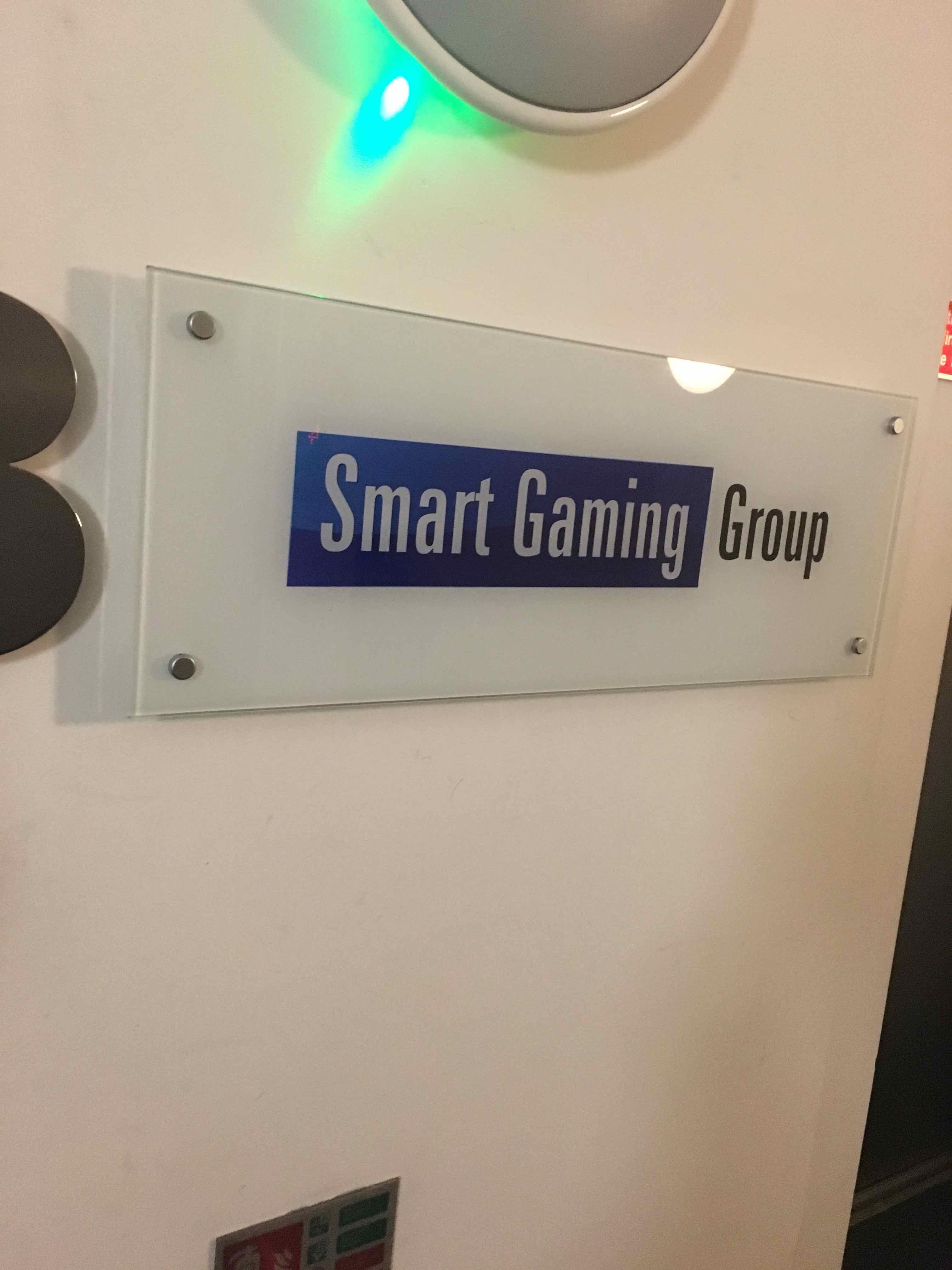 3階と思われる場所の「Smart Gaming」という表札画像