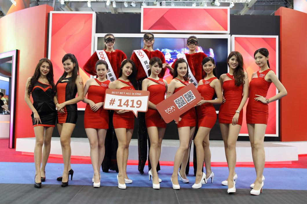 G2E Asia を彩る美女達に注目!