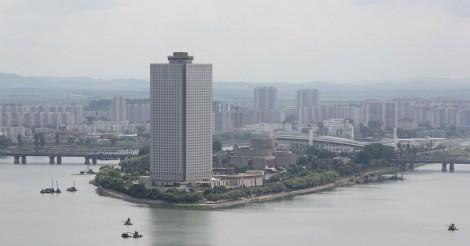 北朝鮮にもカジノが!羊角島国際ホテルの地下「平壌羊角島娯楽センター」にあるマカオのカジノ王との協業カジノ | ワールドカジノナビ